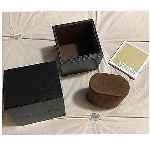 Michael Kors Watch Box With Velvet Watch Holder